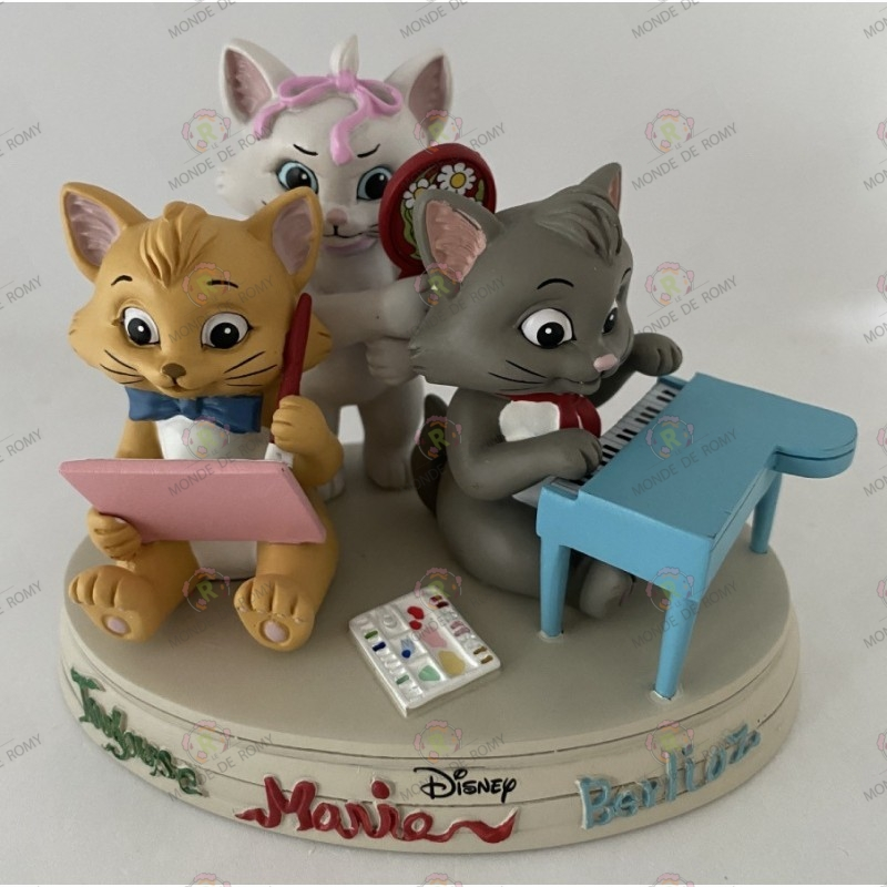 Disney- Artist Collection By YUKO HIGUCHI- Berlioz, Toulouse, Marie- Les aristochats