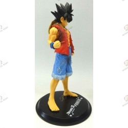 Son Goku de Dragon Ball Z en habit de Monkey D Luffy de One Piece profil droit