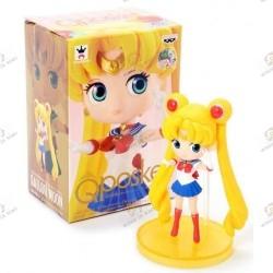 FIGURINE QPOSKET Sailor Moon:  Sailor moon avec boite