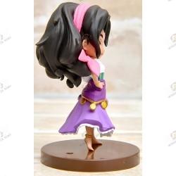 Disney characters QPOSKET Petit: Les Cloches de Notre Dame Esmeralda profil droit socle